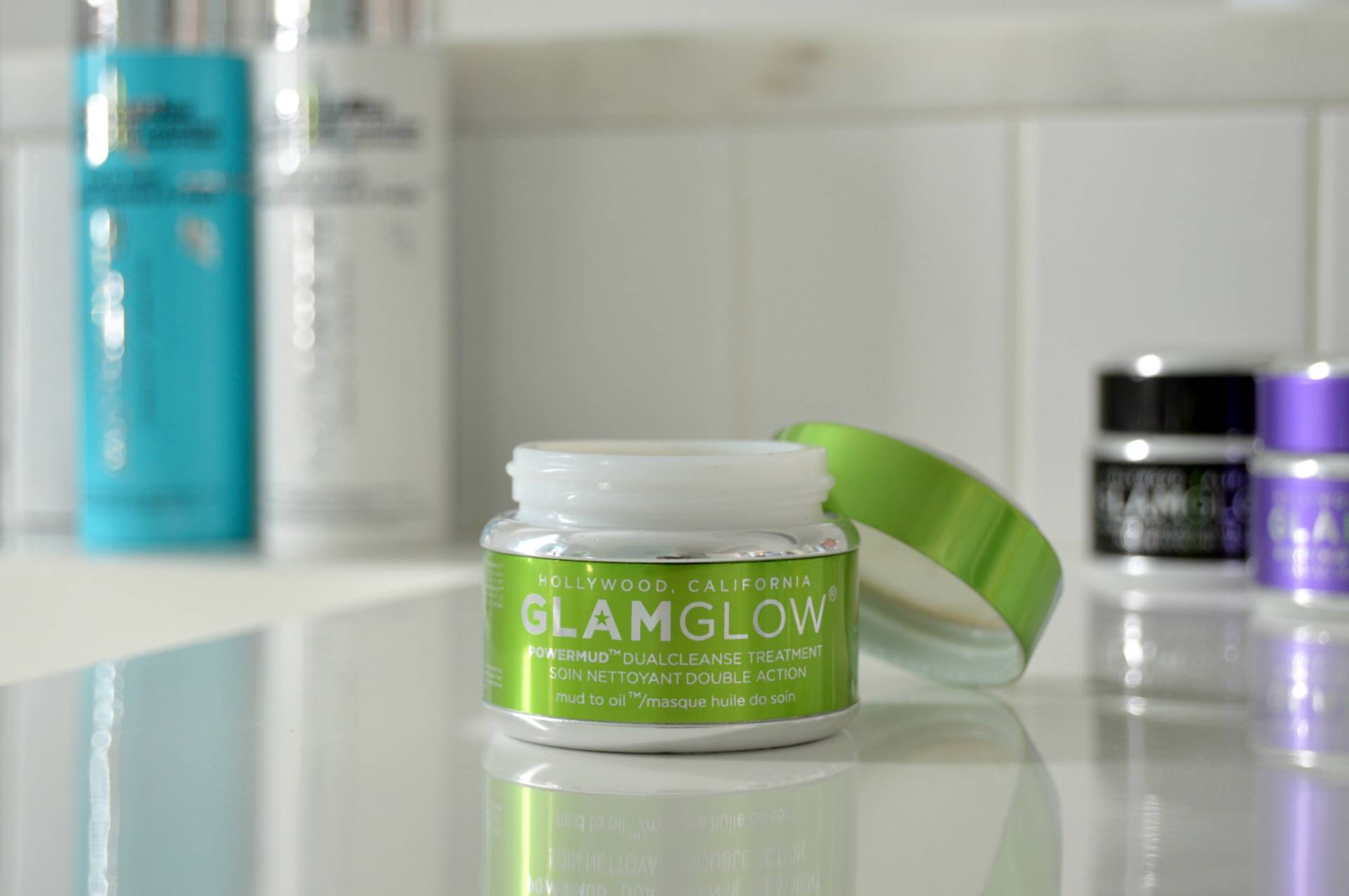 GlamGlow Mud Treatment Powermud DualCleanse Treatment 50g的圖片搜尋結果
