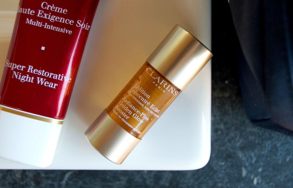 Holiday Mixer – CLARINS Radiance-Plus Golden Glow Booster
