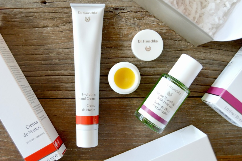 *GIVEAWAY* Win 1 of 5 Dr. Hauschka Winter Welcome Kits & MORE!