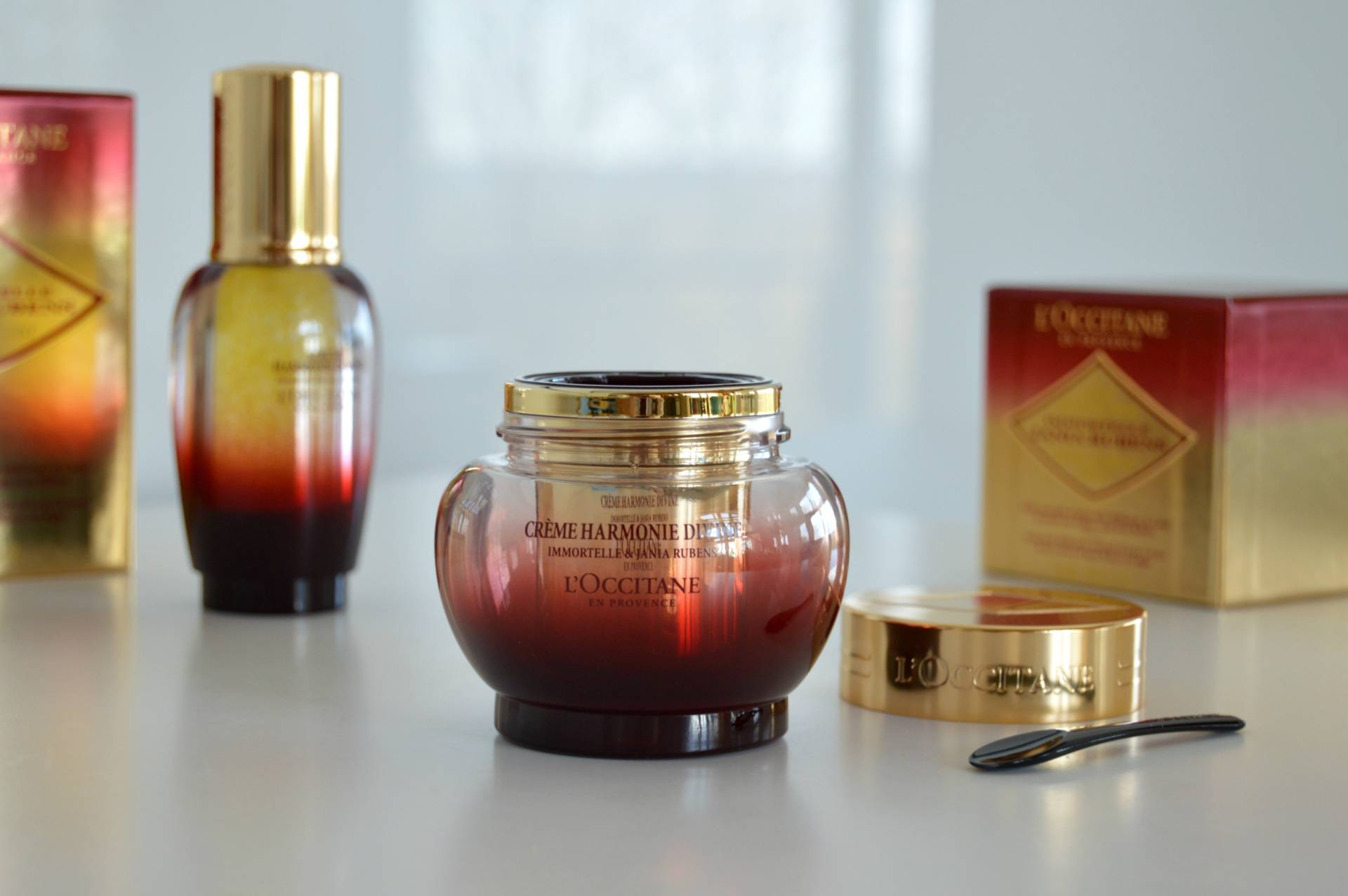 loccitane-harmonie-divine-cream-dry-oil-finish-review-inhautepursuit